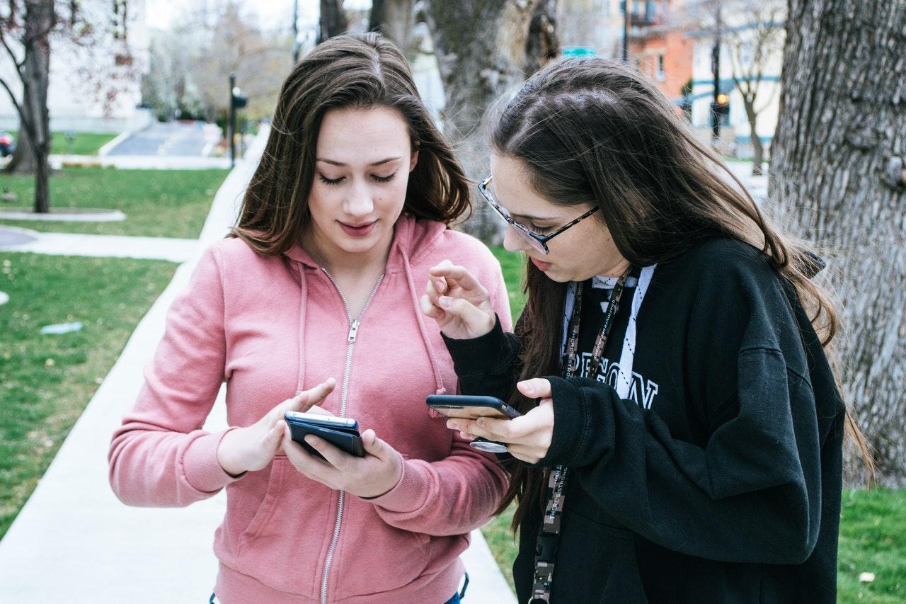 adolescentes téléphones portables